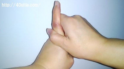 指 ポキポキ