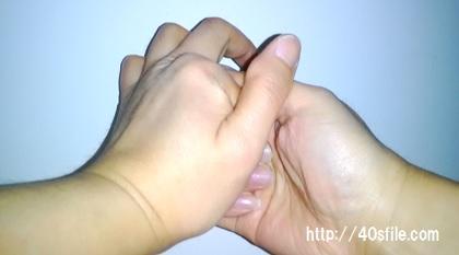 指 ポキポキ 内側